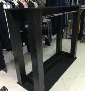 Полка-вешалка для магазина одежды