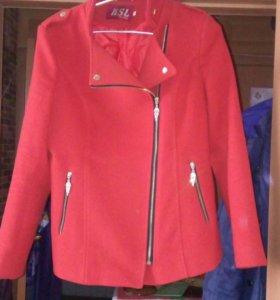 Пальто, костюм для беременных