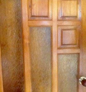 Меж комнатная дверь,