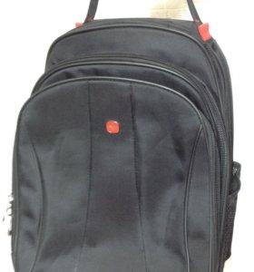 Чемодан-рюкзак на колесах Wenger