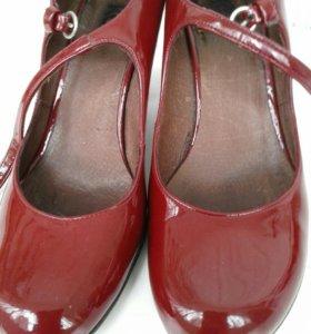 Кожанные лакированные туфли