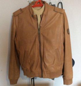Продаю срочно классную натуральную кожаную куртку