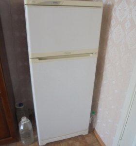 Холодильник Stinol, выс. 1,5 м
