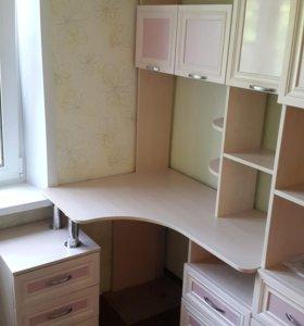 Компьютерный стол угловой в детскую комнату