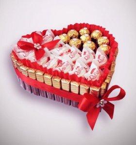 Большое сердце из конфет