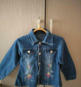 Ветровка джинсовая на девочку 3-4 года