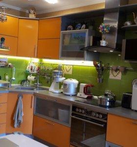 Кухонный гарнитур с мойкой бланко и вытяжкой