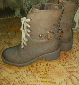 Ботинки женские 36 р
