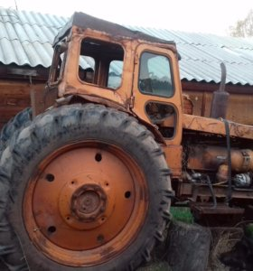 Трактор Т-40,с передком+плуг+лопата+лебедка.