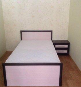 Кровать с матрацем+прикроватная тумба