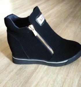 Весенние ботиночки новые 36р.