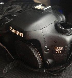 Фотоаппарат Canon EOS 7D