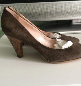 Туфли Pollini замша 37 размер