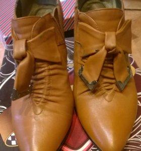 Туфли закрытые на каблуке