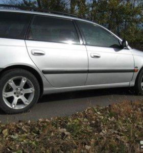 Toyota Avensis, 2001