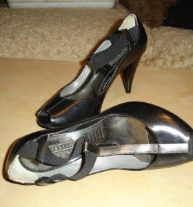 Женские туфли с открытым мысом 36 р.