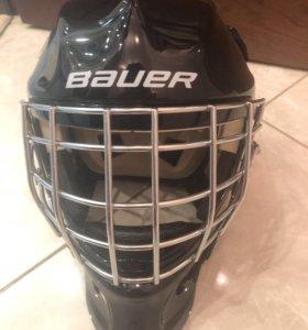 Хоккейный вратарский шлем
