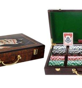 Покерный набор в деревянном футляре