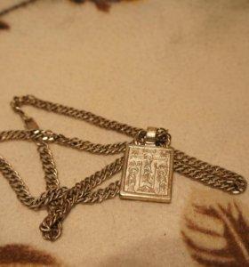 Серебрянная цепь, коробочка с изображениями святых