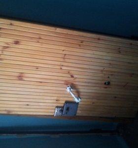 Металлическая входная дверь б/у