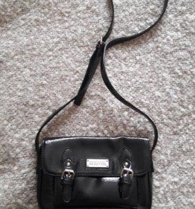 Новая лаковая сумка кроссбоди Kennet Cole