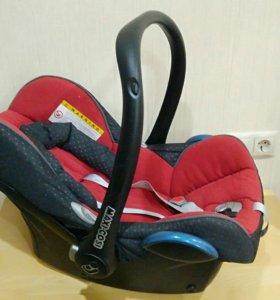 Автокресло для новорожденных Maxi Cosi