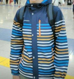 Куртка с флисом и капюшоном