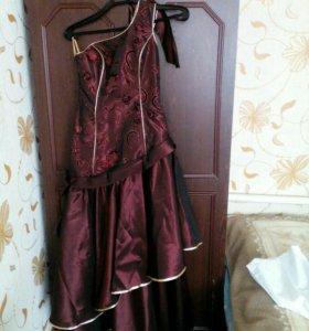 Платье выпускное, хамелеон, по фигуре.
