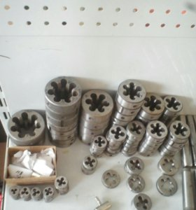 Плашки для нарезания метрической резьбы