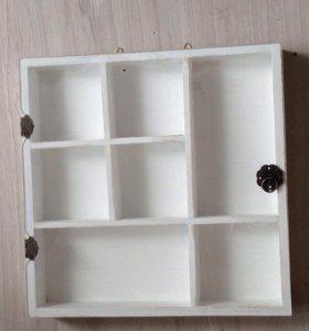 Полочка-витрина для любимых мелочей и сувениров
