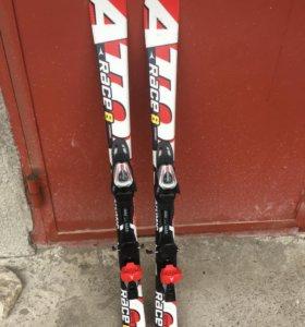 Горные лыжи Atomic Race 8 + ботинки + палки