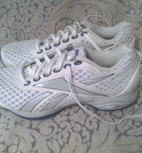 Новые кросовки Reebok