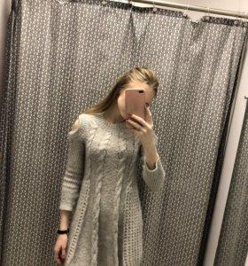 Серое вязаное платье