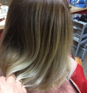 Стрижки, окрашивание волос, мелирование.