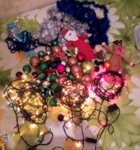 Новогодние ёлочные игрушки