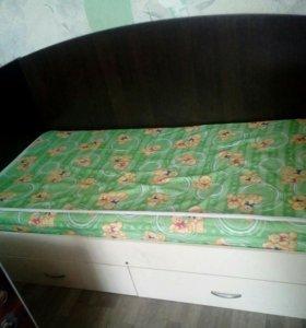 Кровать в отличном состоянии, размер 160*80