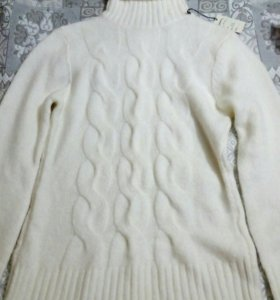 Новый свитер женский