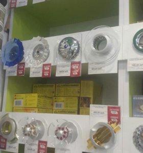 Продам потолочные светильники (софиты)