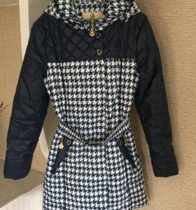 Пальто на девочку ,весна-осень