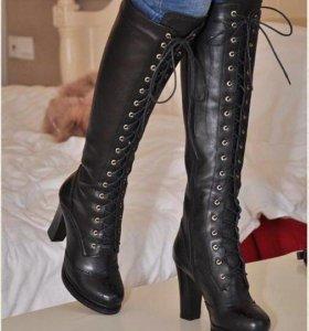 Сапожки на шнуровке