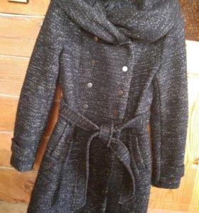 Пальто полушерстяное очень красивое