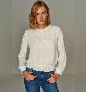 стильная блуза с кружевом