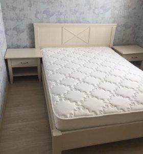 Кровать +2 прикроватных тумбы