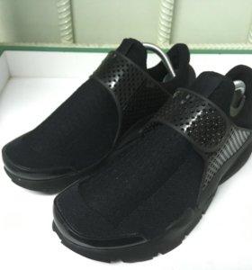 Nike Sock Dart Triple Black