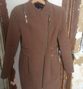 Женское пальто (демисезонное), размер XS