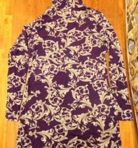 Женская цветная водолазка и женский пиджак