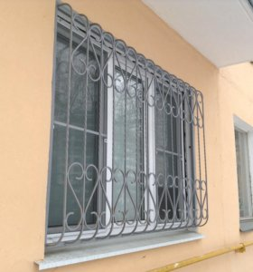 Решетки на окна для домов и дачи
