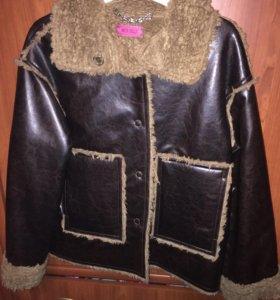 Куртка из эко-кожи в отличном состоянии