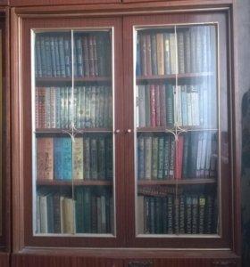 Шкаф для книг, посуды