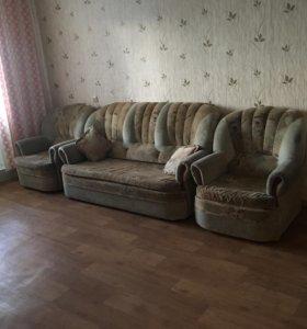 Диван и два раскладных кресла